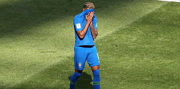 再战世界杯 时隔四年内马尔再度泪洒球场