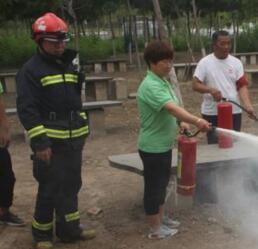 大兴消防对生态园开展消防演练培训
