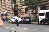 上海一网约车司机抗拒执法