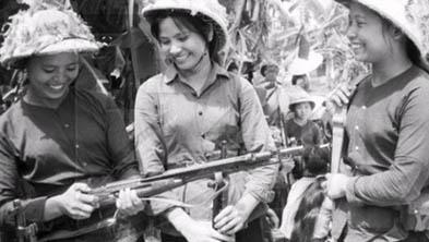 女人月经全过程_军事专题:女战俘-搜狐军事频道