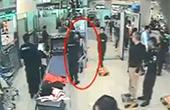 女子机场拒绝安检大骂民警